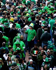 audience(0.0), marching(0.0), education(0.0), demonstration(0.0), protest(0.0), people(1.0), event(1.0), crowd(1.0), social group(1.0), saint patrick's day(1.0),