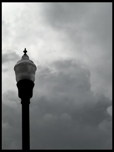 street light sky urban blackandwhite bw clouds 50mm olympus pole fernando om effect minimalist orton sanchez e500 fragmen fernandosanchez