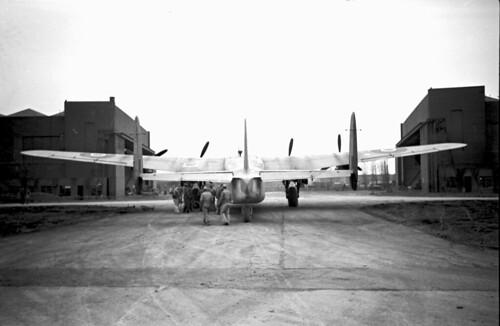 Avro York 3.5 20 wide angle Elmar 57 04