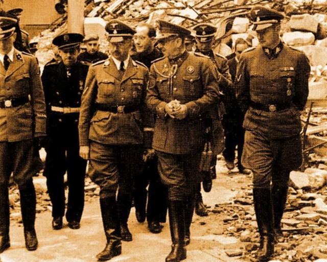 Heinrich Himmler en el Alcázar de Toledo junto a Moscardó, Serrano Súñer y Karl Wolff. 21 de octubre de 1940. Foto Vidal