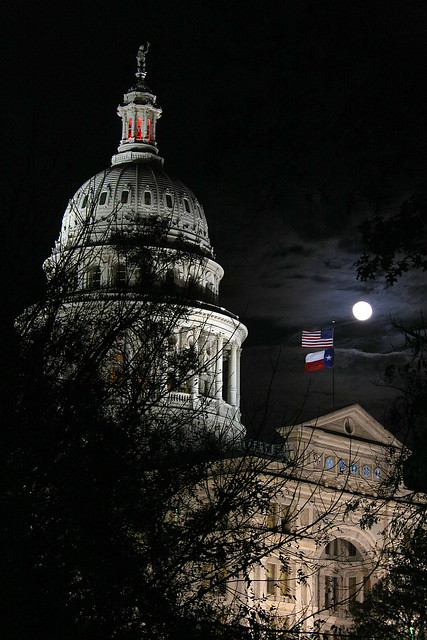 december moon over the capitol