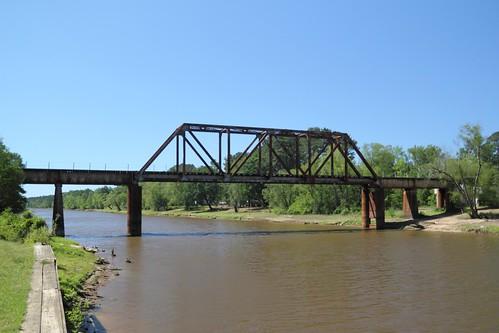 railroad trestle bridge usa river geotagged louisiana texas unitedstates logansport sabineriver geo:lat=3197241943 geo:lon=9400585502