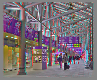 Passengers at the airport :: Anaglyph Stereoscopic 3D ::