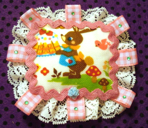 ALICE IN WONDERLAND RABBIT BROOCH