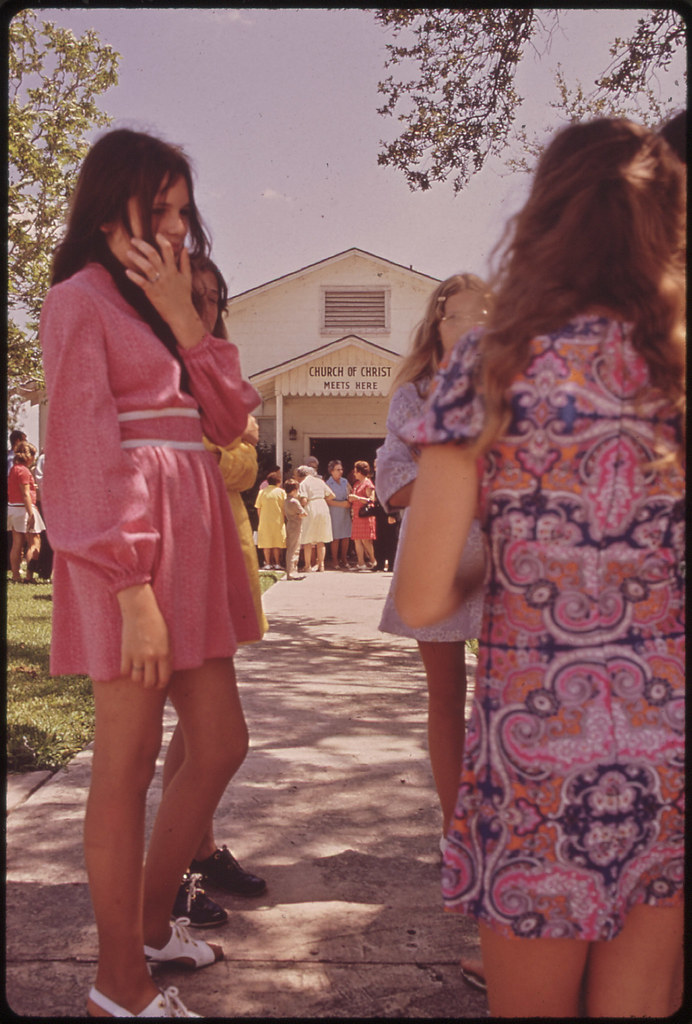 leakey girls Everyday life in 1970s texas captured by photos in the teenage girls wading the frio canyon everyday life in 1970s texas captured by photos in the.