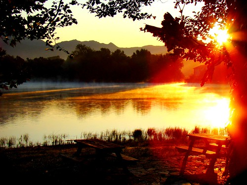 sky italy lake sunrise bench lago italia alba cielo benches brianza lombardia pusiano panchina panchine lagodipusiano bestflickrphotography