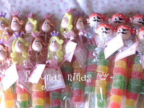 Pinches de gomitas Princesas y Piratas