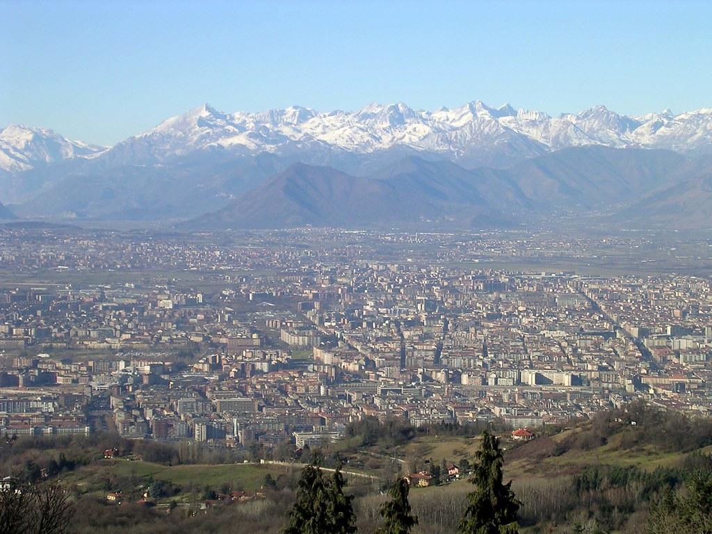 Vue sur Turin et sur les Alpes depuis le Phare de la victoire - Photo de Antonio Scardinale