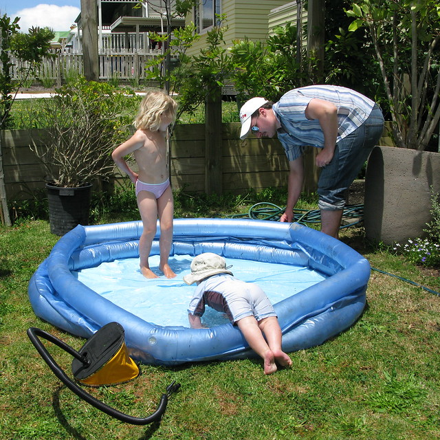 Paddling pool weather flickr photo sharing for Small paddling pool