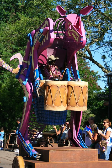 WDW Sept 2008 - Mickey's Jammin' Jungle Parade
