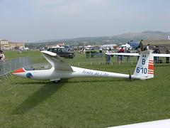 airline(0.0), model aircraft(0.0), airliner(0.0), flight(0.0), monoplane(1.0), adventure(1.0), aviation(1.0), airplane(1.0), wing(1.0), vehicle(1.0), glider(1.0), gliding(1.0), motor glider(1.0), ultralight aviation(1.0),