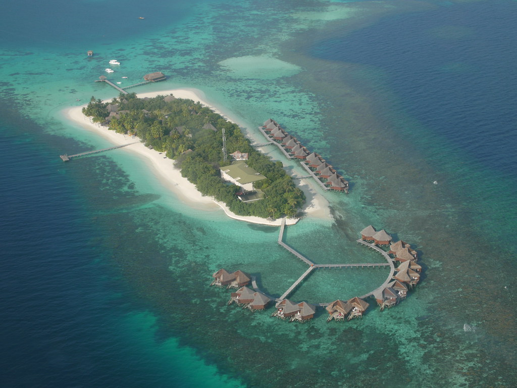 10 best luxury resorts in the maldives with photos map