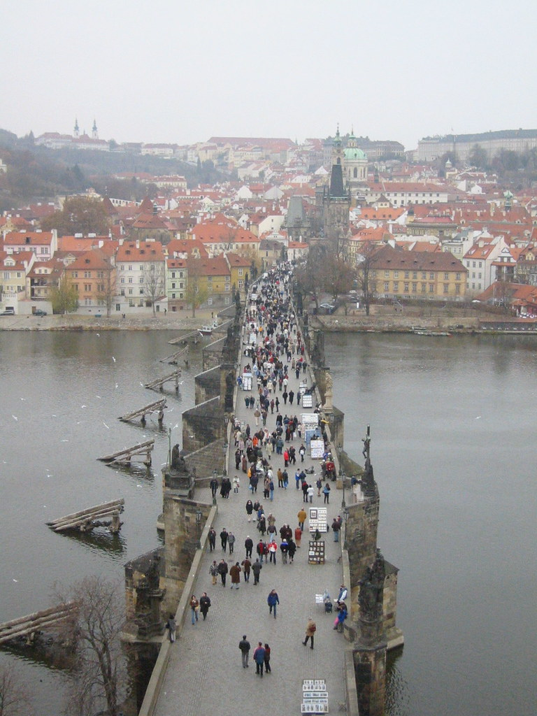 Charles bridge prague attractions for Where is prague near