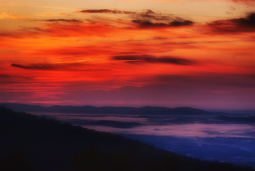 sunrise on the skyline drive