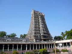 Madurai Meenakshi Amman Temple by nareinjanaa