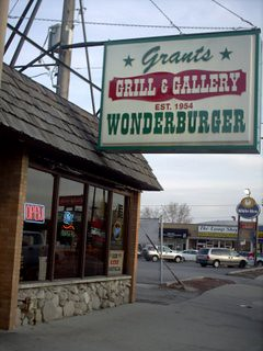 The Wonderburger Restaurant in Chicago's Mount Greenwood neighborhood. by Eddie from Chicago