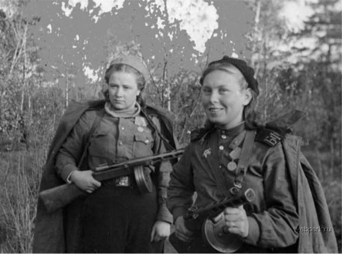 DMP-FF021 RUSSIAN FEMALE SOLDIERS