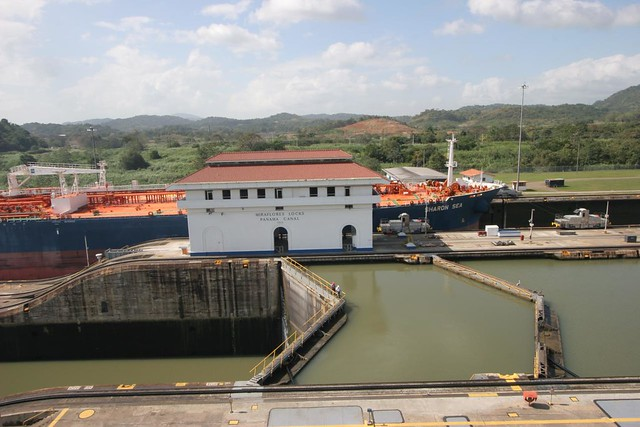 Miraflores lock, Panama Canal