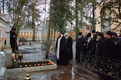 Молитва у могилы митр. Нестора