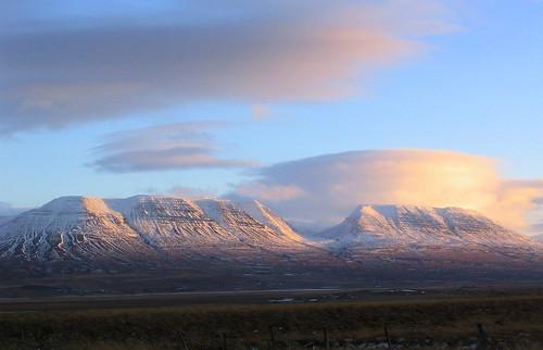 sunset sky cloud snow mountains iceland islandia ísland islande fjall justclouds varmahlíð