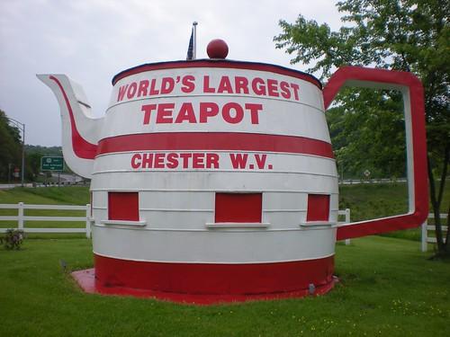 chester wv westvirginia teapot largest worldslargest roadsidearchitecture chesterwv worldsrecord worldslargestteapot roadsidewonders