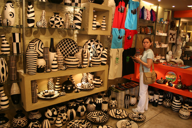 Armario Para Ropa Blanca ~ Loja de Artesanato no Shopping Shopping Larcomar na beira u2026 Flickr Photo Sharing!