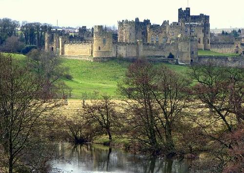 Alnwick Castle - flckr - Andrea_44