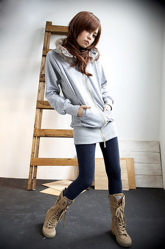 Korean Style Casual Fashion Zipper Sweater with Cap