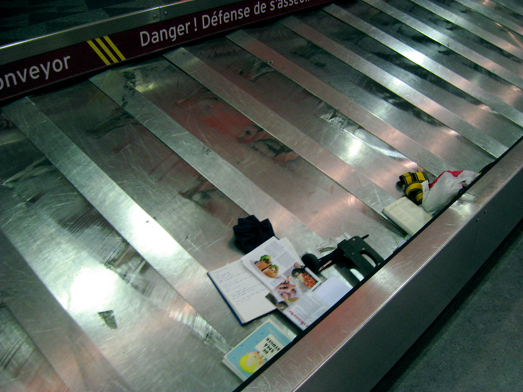 baggage allowance on international flights baggage. Black Bedroom Furniture Sets. Home Design Ideas