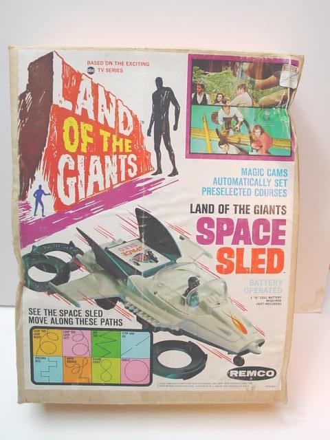 remco_landofgiantsspacesled