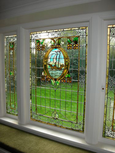 dscn0421 46992 tudor house leaded stained glass window