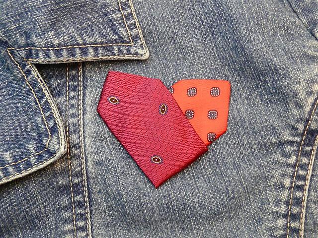 necktie_heart10