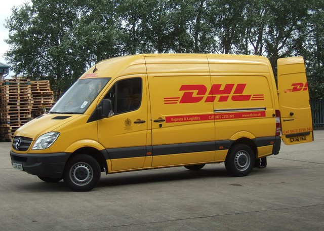Mercedes Bus Van >> 2008 - MERCEDES - DHL VAN | Flickr - Photo Sharing!