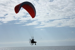 wing(0.0), parachuting(0.0), paragliding(1.0), parachute(1.0), air sports(1.0), sports(1.0), windsports(1.0), powered paragliding(1.0), extreme sport(1.0),