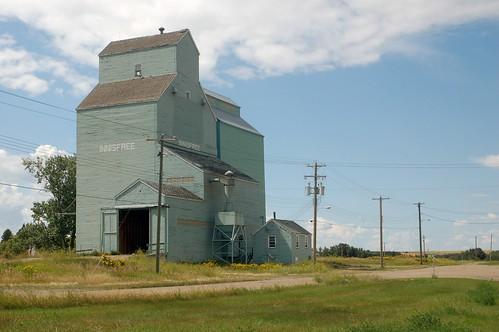 elevator grain alberta prairies innisfree august052008