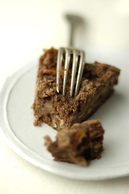 bread-apple-cocoa cake
