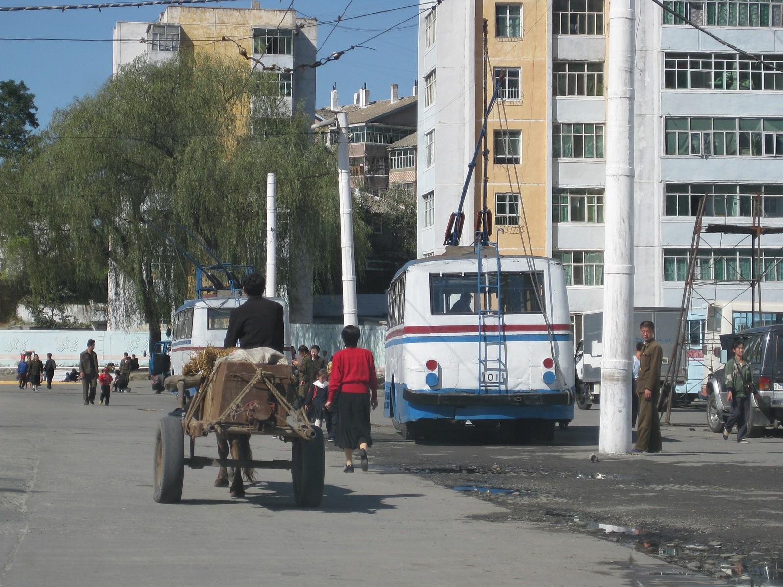 Wonsan street scene (3)