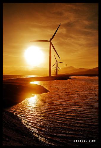 sunrise windmills explore cgb artphotography maraculio missingtheturnthatsavesyourlife banguiilocosregion may182009304