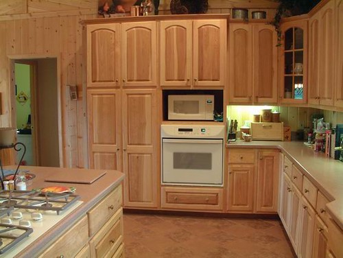 Hickory kitchen cabinets flickr photo sharing for Hickory kitchen cabinets