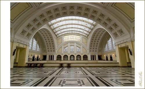 indoor symmetrical 1224 asokaablakellenéresemmifény kézből legközelebbállványkell kossuthuni