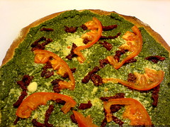 pesto pizza for dinner tonight   DSC01439