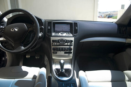 Mobil Mobilan Infiniti G35 Coupe Interior