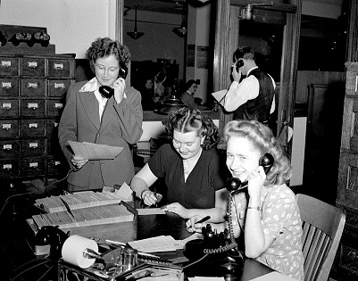City Light customer account operators, 1945 - Customers, Commenting & Quality: 3 Wishes for the Future of Content Marketing