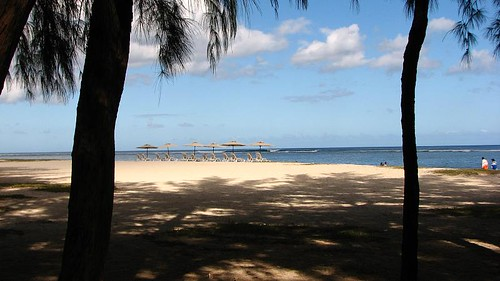 What to do in Mauritius - relax at the beach of Flic-en-Flac