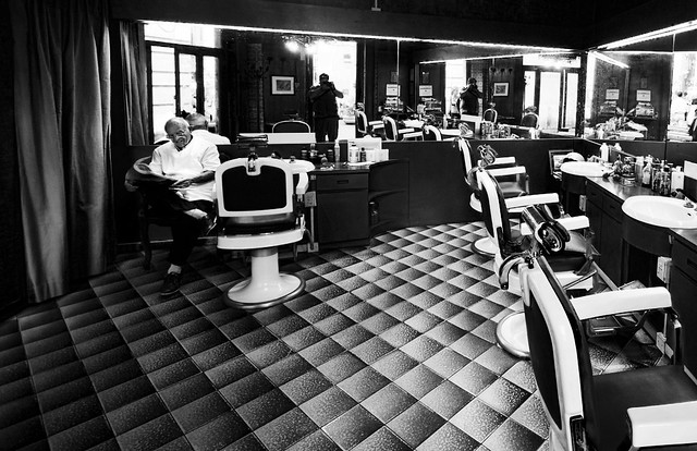 Old Barber Shop in Rome bw 7,000 visits!