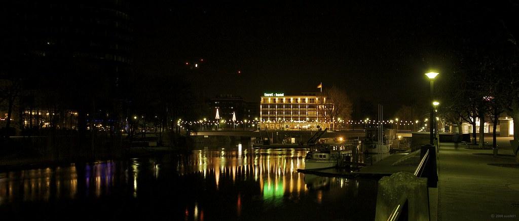 Heilbronn am Neckar bei Nacht (Kinoformat-Panorama)