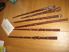 western concert flute(0.0), cue stick(0.0), woodwind instrument(1.0), musical instrument(1.0),