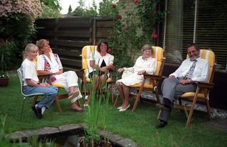 Mette, Signe, Hanne, mormor and Ole in the Svendsen garden