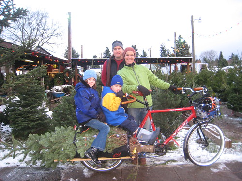 Xtracycle Tree Haulin 2008: The happy family