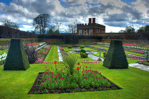 After the rain.. at Hampton Court Palace